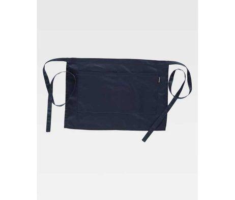 Delantal francés corto. Un bolso central compartimentado. Tiras para ajustar en la cintura